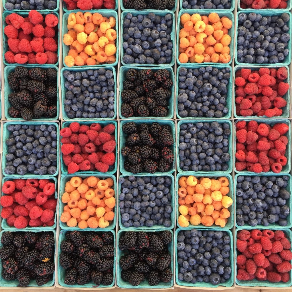 Vegan Paris: grocery store berries