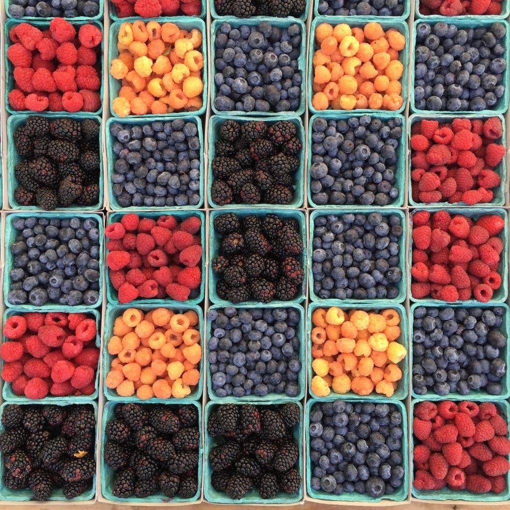 Vegan Paris: grocery store berries
