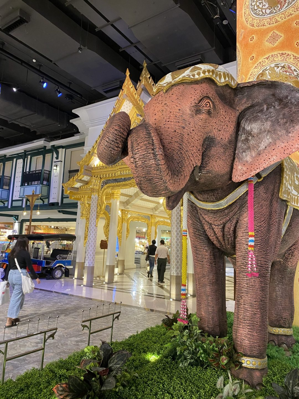 ICONSIAM shopping mall in Bangkok