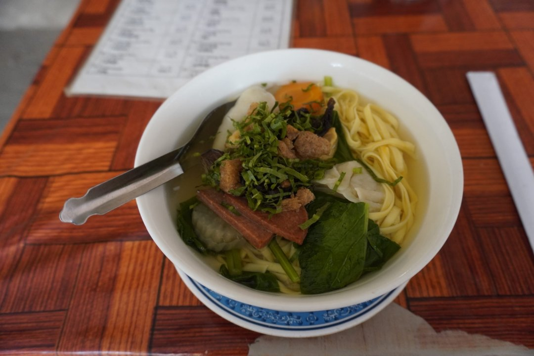 Vegan wonton noodle soup from Kang Le Restaurant in Siem Reap, Cambodia