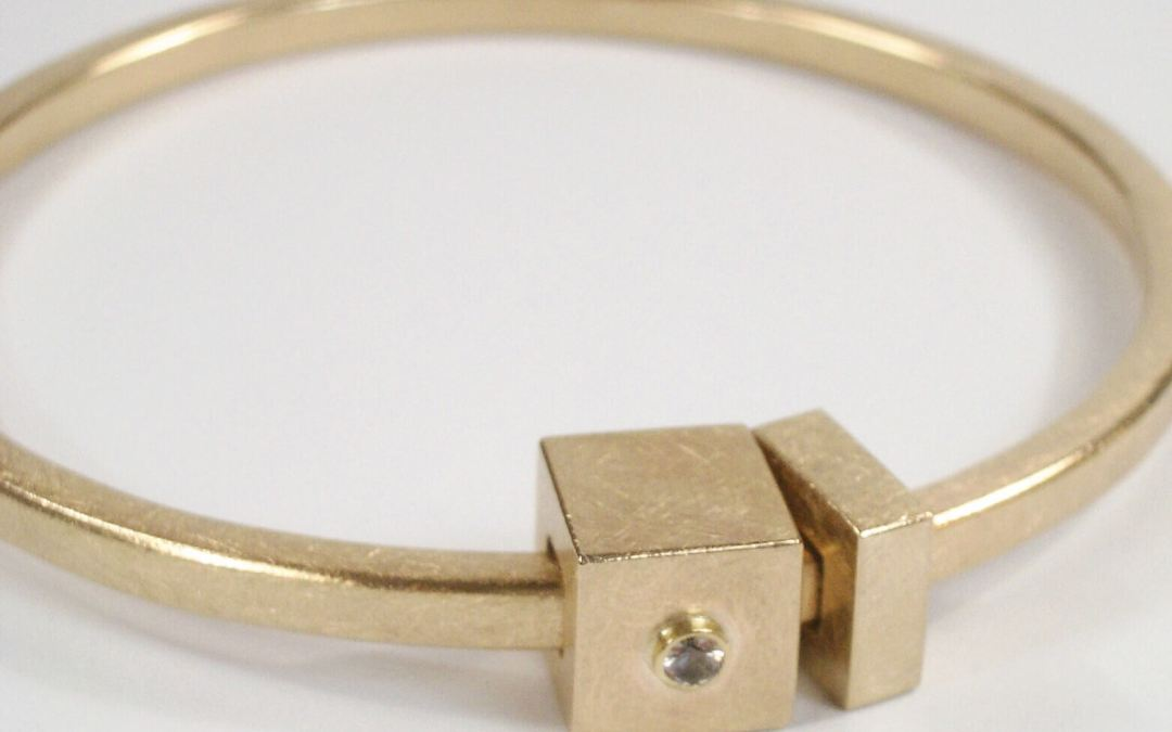 Lindas 'Pot of Gold' Box Bangle