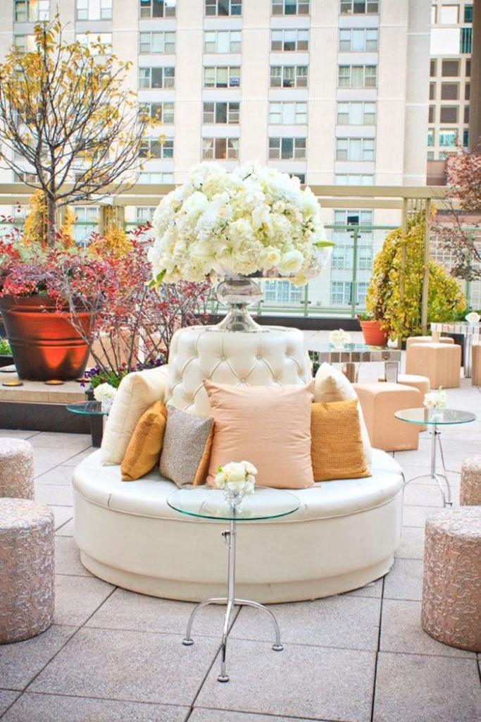 9 Wedding Trends Inspired by Pantone's Colors of The Year: vignettes