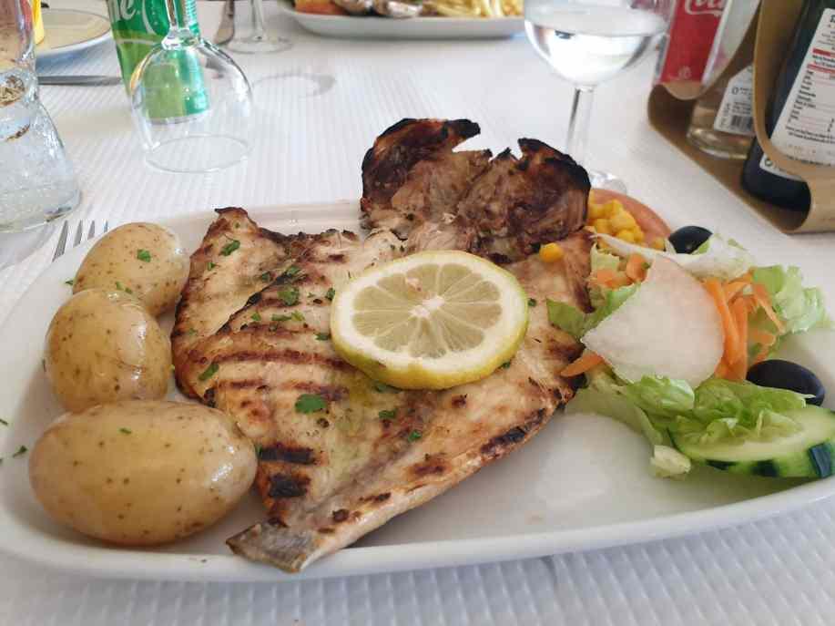 "Sagres Restaurant -Restaurante ""O Pescador"""