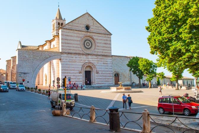 Chiesa Santa chiara di Assisi