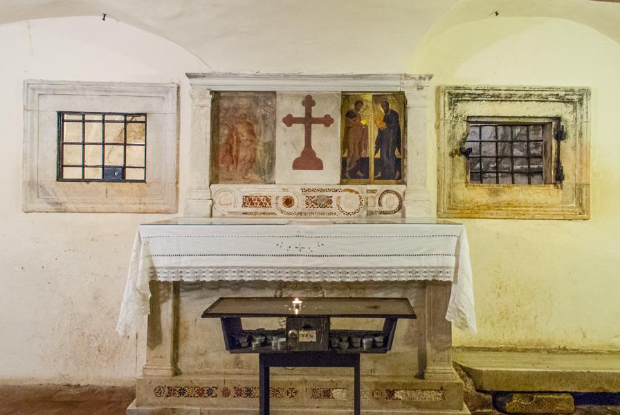 cripta-chiesa-santa-maria-scala-coeli-roma