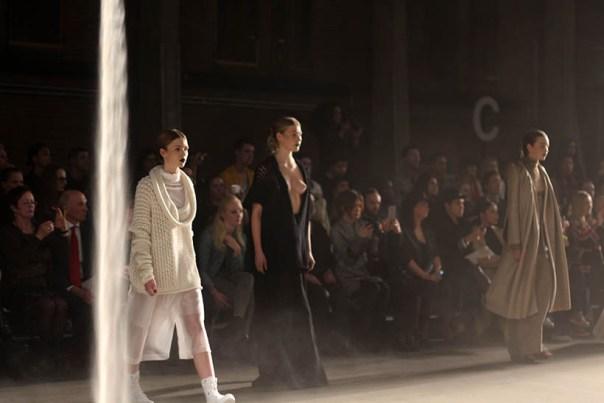 MBFWA Frontrow Spijkers & Spijkers Barbara Langendijk Dutch Fashion blogger SarandaAdriana2