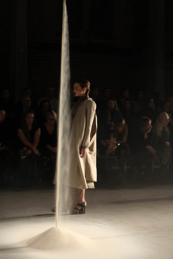 MBFWA Frontrow Spijkers & Spijkers Barbara Langendijk Dutch Fashion blogger SarandaAdriana3
