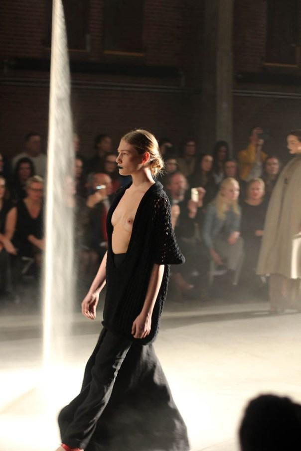 MBFWA Frontrow Spijkers & Spijkers Barbara Langendijk Dutch Fashion blogger SarandaAdriana5