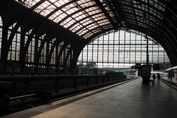 travel thursday ghent belgium fashion blogger ibis accor hotels report12