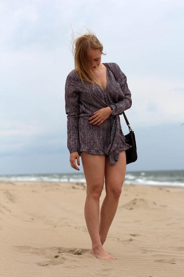 Life is a beach outfit ootd dutch fashion blogger sarandipity sarandaadriana playsuit my isabelli noosa amsterdam daniel wellington7