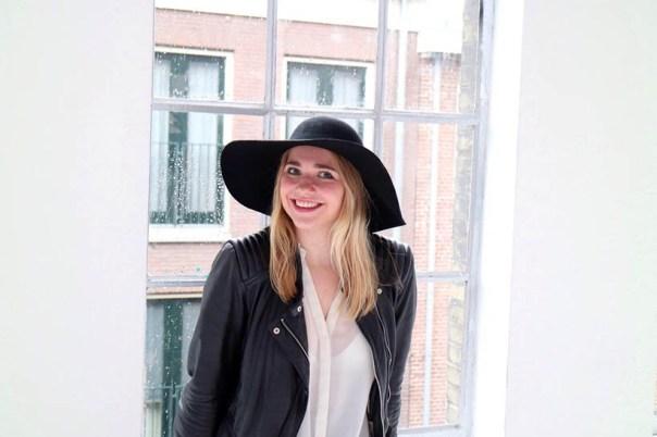 black-white-ecco-outfit-ootd-dutch-fashion-blogger-sarandaadriana5