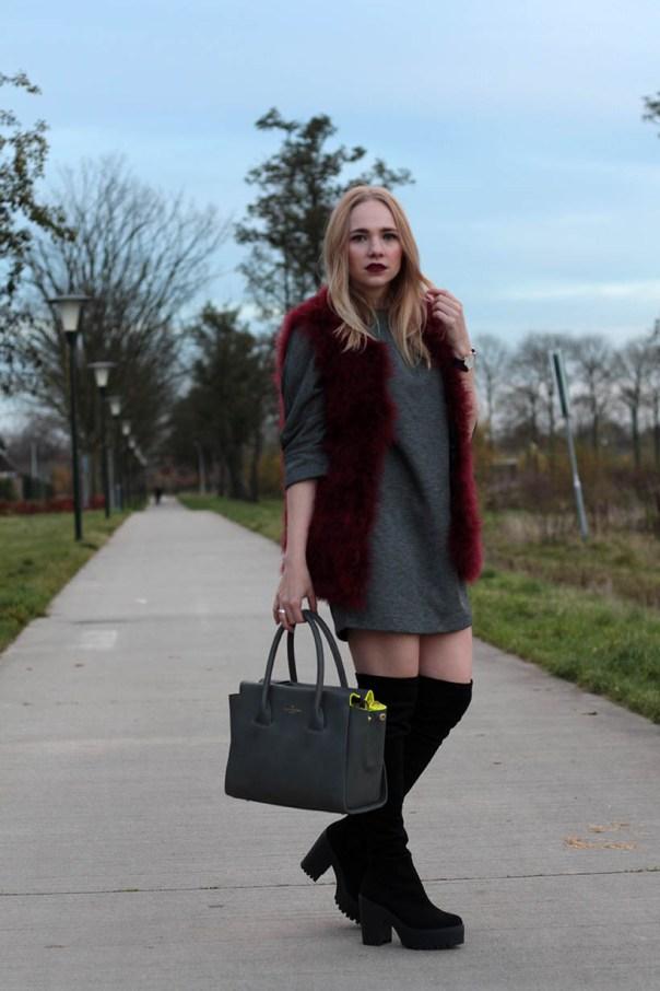 Red velvet outfit ootd fashionblogger sarandaadriana7