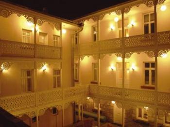 Kar's Oteli