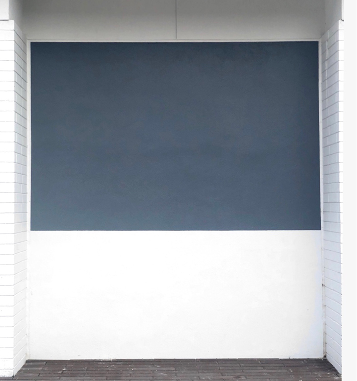 Olivier Mosset's Untitled (2019) site specific installation at Sarasota Art Museum