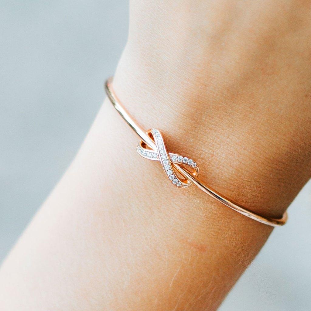 The Infinity Symbol: Love, Meaning & Origin - Sara Verdier