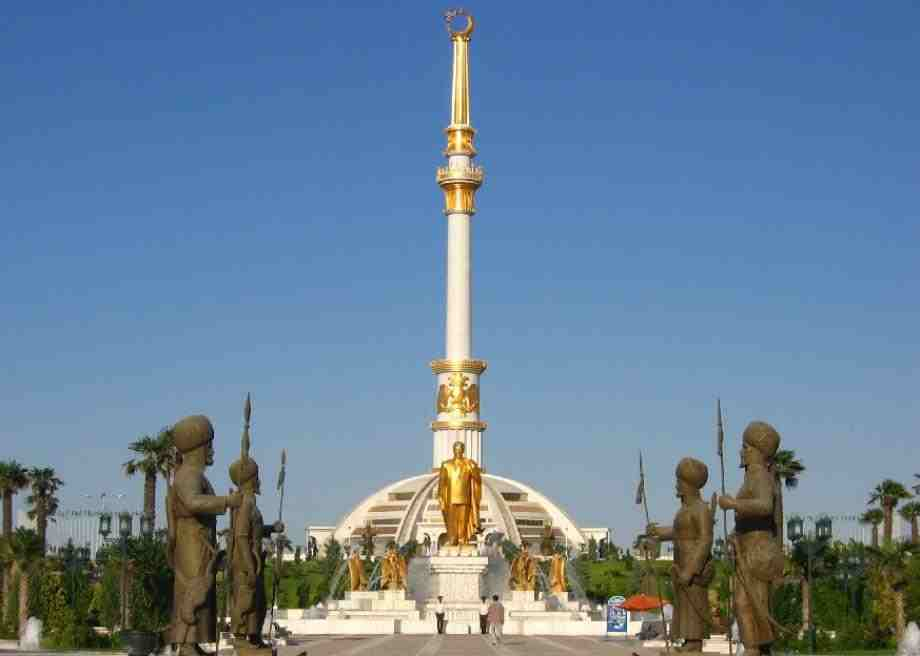 Inspiration for Taib? - Gold statues of Turkmenistan's Saparmurat Niyazov still decorate his capital after his sudden death in 2006