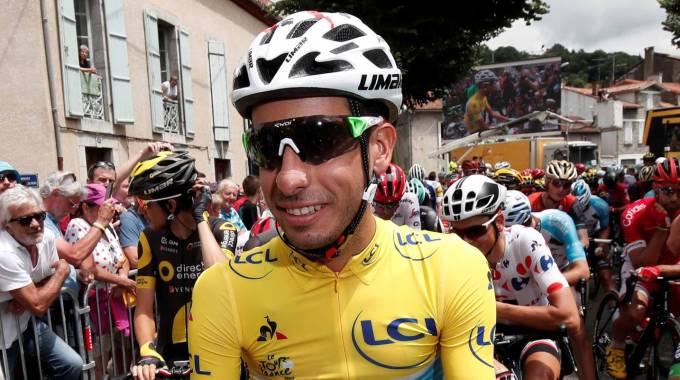 Cronache dal Tour de France: Il giallo intenso della Sardegna guida il peloton (di Giampaolo Cassitta)