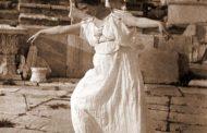Isadora Duncan sulle strisce pedonali (di Cosimo Filigheddu)