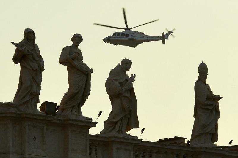 28 febbraio 2013: Benedetto XVI abbandona il Vaticano (di Giampaolo Cassitta)