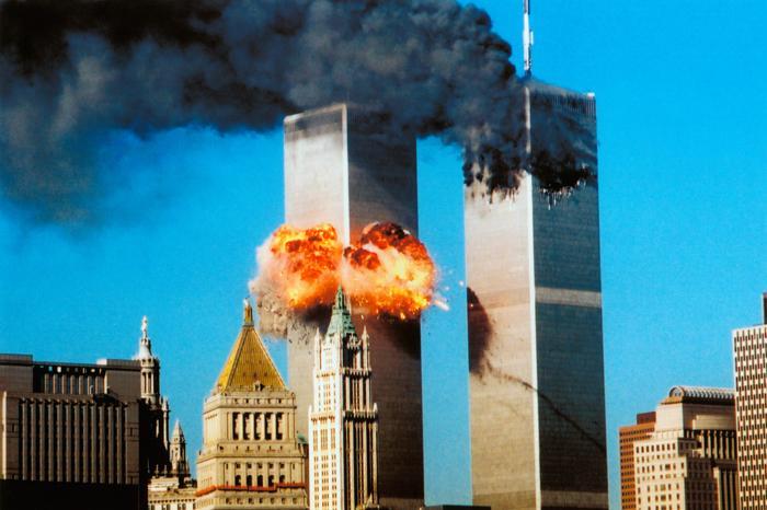 11 settembre 2001: chiedete alla polvere. (di Giampaolo Cassitta)