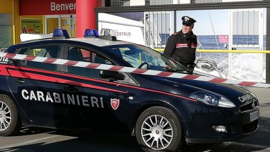 Photo of Femminicidio tra Sorso e Ossi, fugge in auto ma i Carabinieri lo bloccano a Predda Niedda