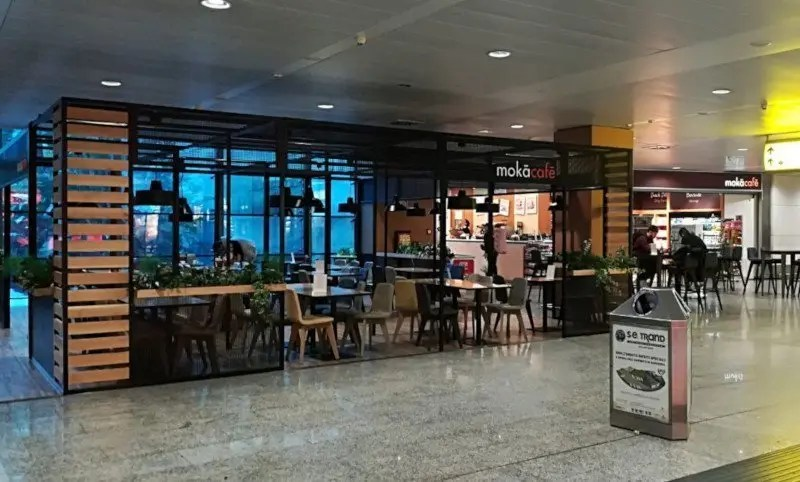 cagliari-airport-arrival-bar