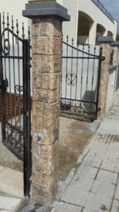 decorazione pilastri in finta pietra Terralba