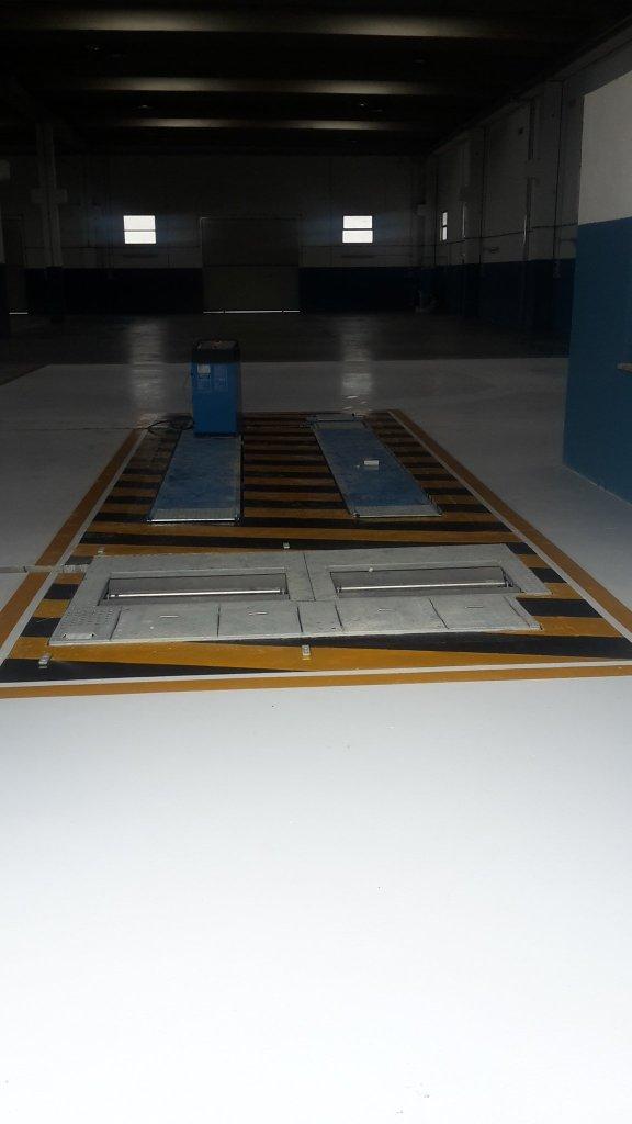 Rivestimento in resina epossidica presso officina meccanica a Oristano