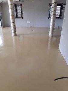 Pavimento in resina multistrato realizzato in un garage a palmas arborea