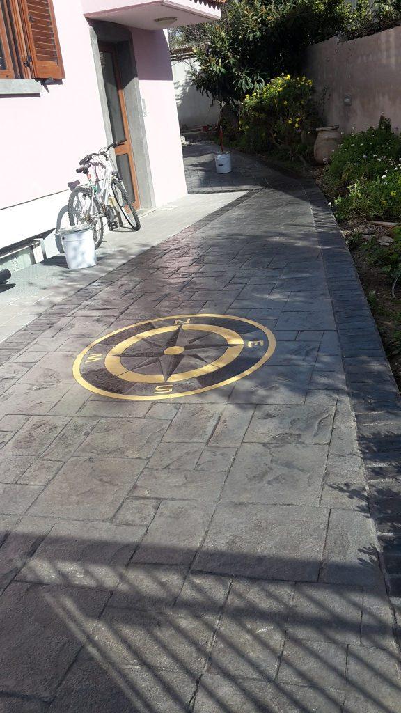 Pavimento stampato antracite effetto ardesia realizzato ad Oristano