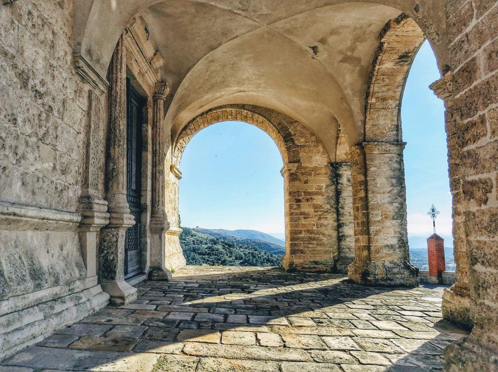 Dieses Bild hat ein leeres Alt-Attribut. Der Dateiname ist Osilo-Foto-Enrico-Napoleone-1024x765.jpg