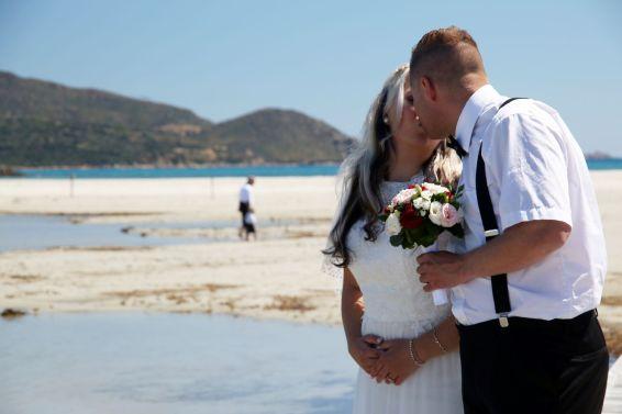 Brautpaar-Shooting am Strand von Porto Giunco in Villasimius