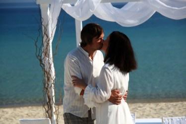 Der Brautkuss, einer der romantischsten Momente der Hochzeit