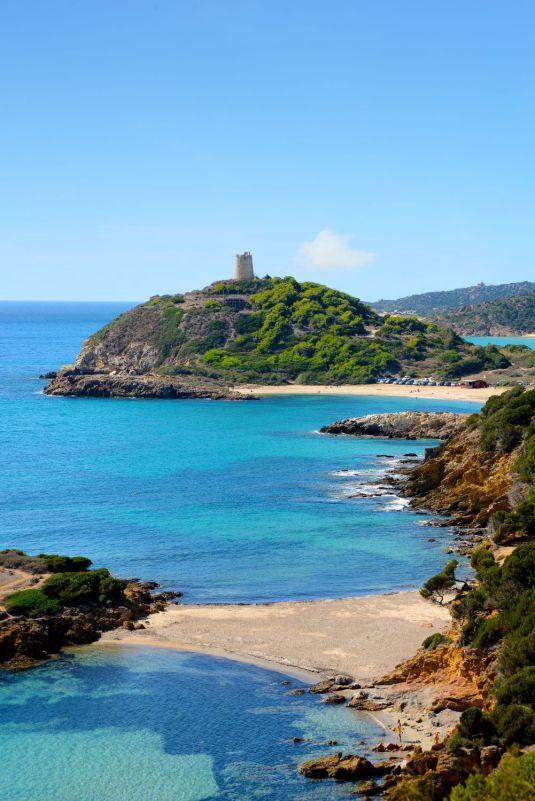 Torre di Chia am Strand von Su Portu
