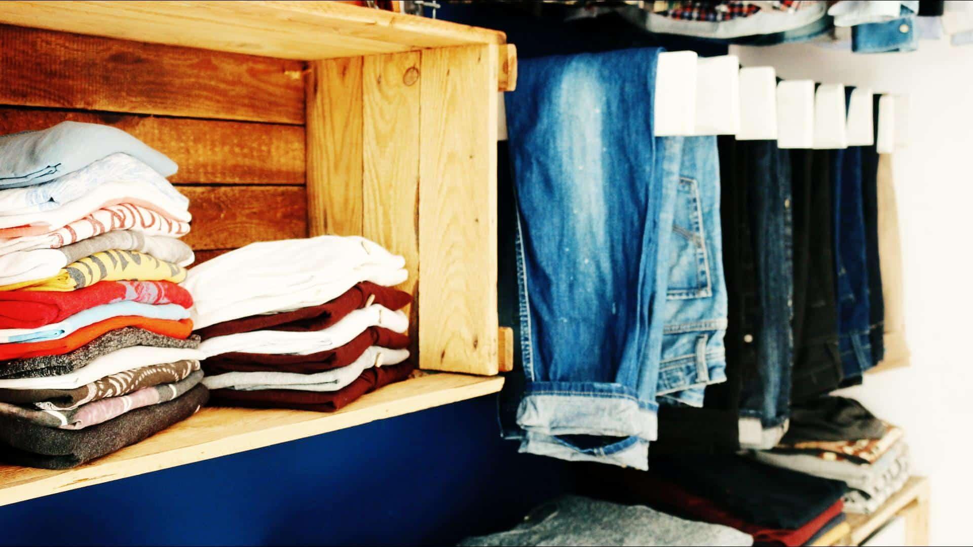 ᐅᐅ】Begehbarer Kleiderschrank ᐅ Aus Paletten & Weinkisten Bauen
