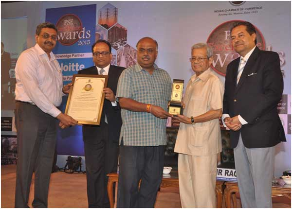 R.Nagarajan, Director (Finance) and ShriD.Ravi, Director (Commercial) receiving ICC PSE Excellence Award in the category of Operational Performance Excellence fromShriT.N.R.Rao, former Secretary, Ministry of Petroleum, ShriBhaskarChatterjee, former Secretary, Department of Public Enterprises Govt. of India and ShriAditya Agarwal, Sr.Vice President, Indian Chamber of Commerce.