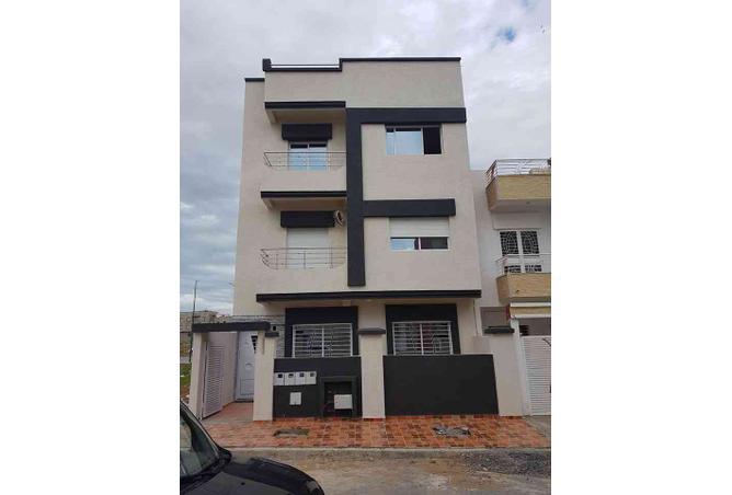 Appartement style villa avec jardin  Rf 358733  saroutyma