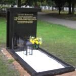 Column memorial
