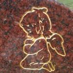 gold kneeling child angel headstone gold engraving
