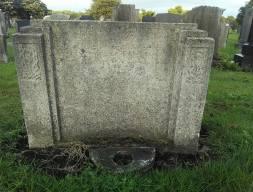 raisbeckoldgravestone