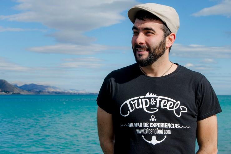 Design de t-shirts d'entreprise - Studio de design - Communication d'entreprise - agence de publicité Tanger Tétouan Sàrsia Publicitat - planche à découper en vinyle.