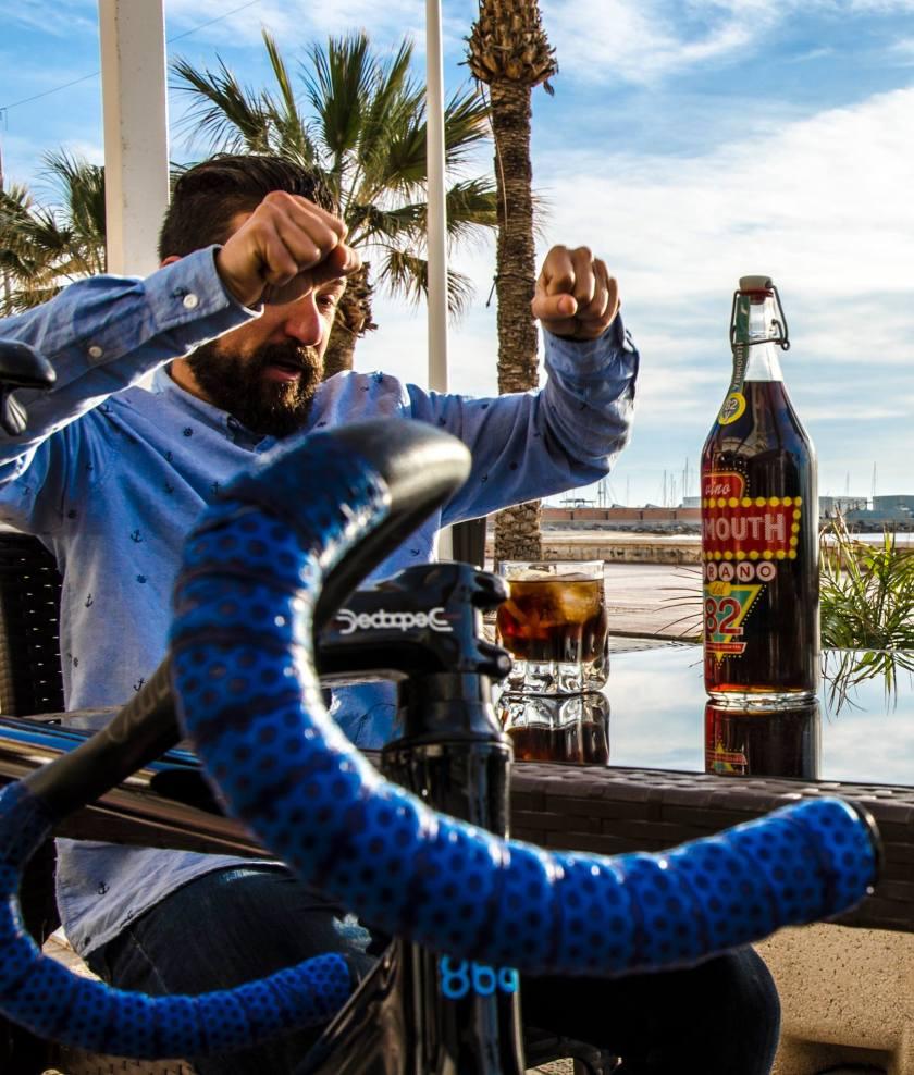 campaña de publicidad verano Jova Campello - fotografía publicitaria para diseño de facebook - agencia de publicidad Alicante - estudio de diseño g