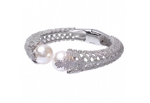 Amishi Silver Plated Pearl and Crystal bracelet
