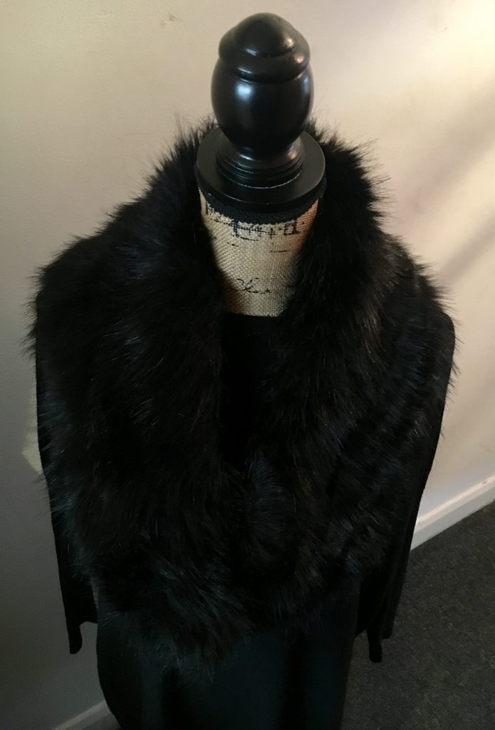 Fur Collar - black - Sartorial Boutique and Gifts