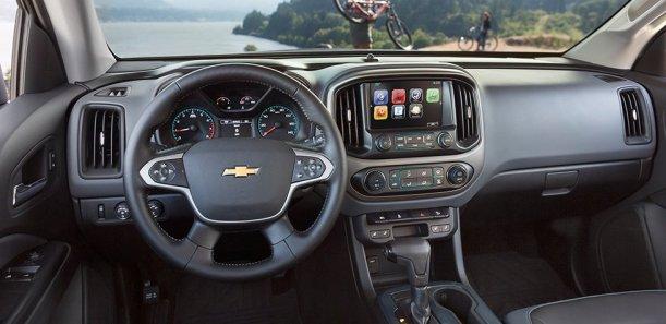 2015-chevrolet-colorado-mid-size-truck-mo-design-interior-980x476-01