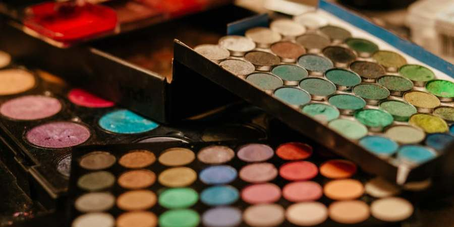The Myths & Realities of High-End Makeup - sassycritic.com