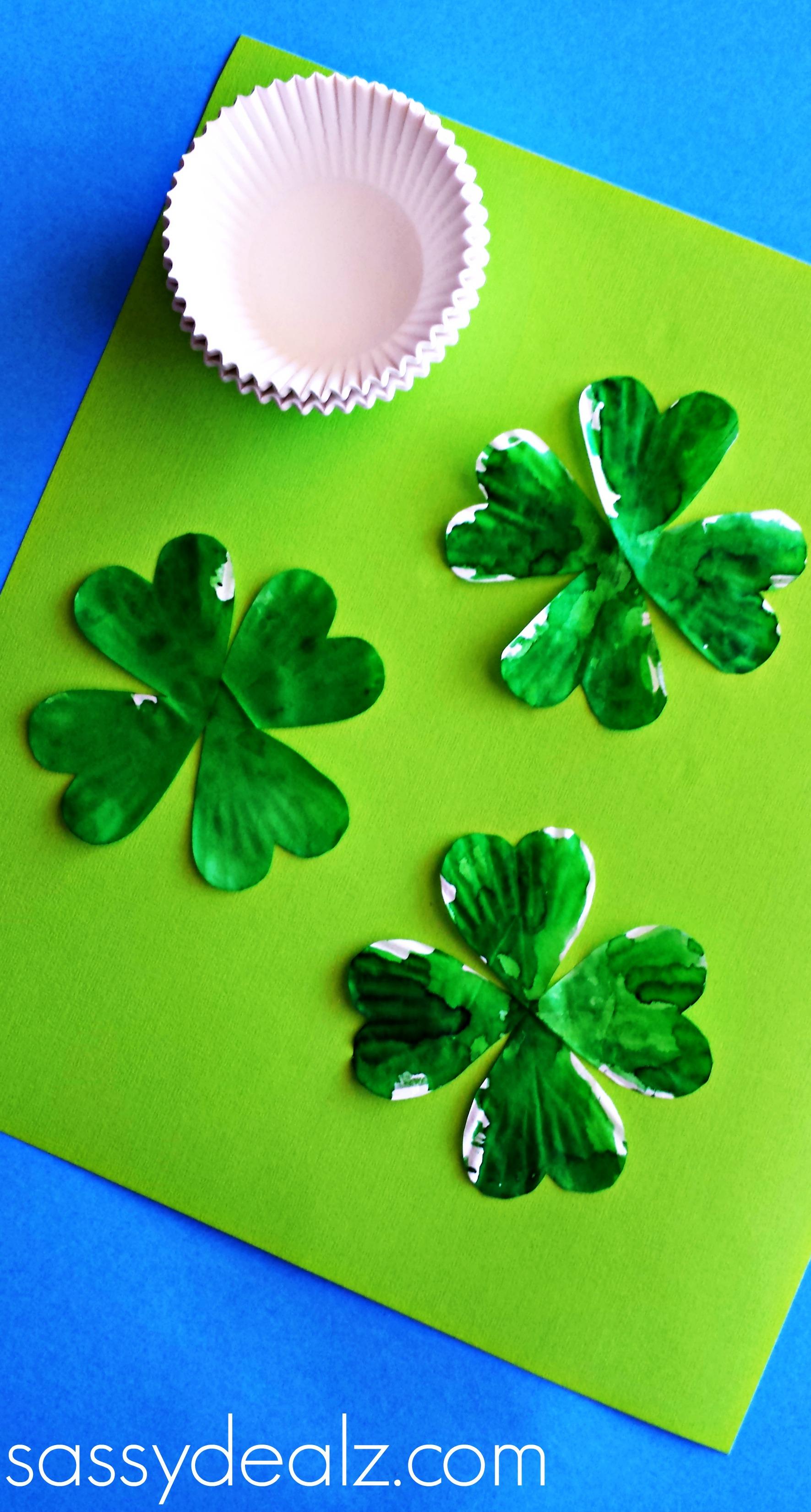 Cupcake Liner 4 Leaf Clover Craft For St Patrick S Day