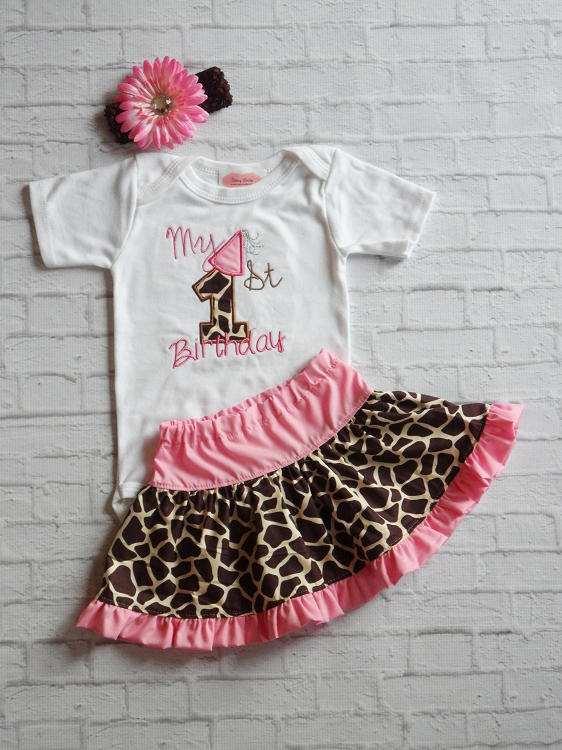 Embroidered Giraffe Print Baby Girl's 1st Birthday Outfit