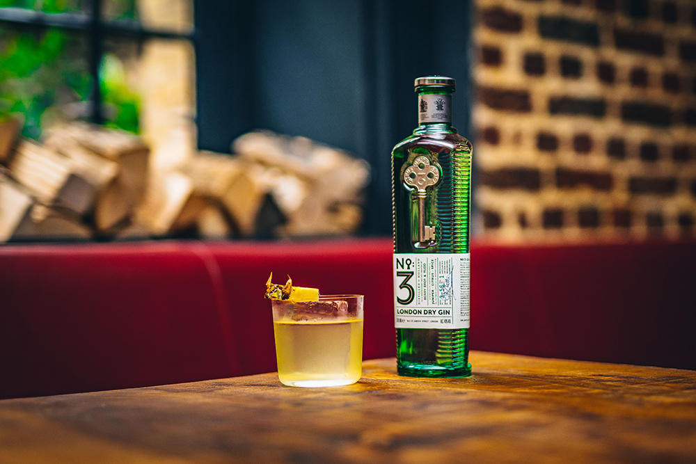 Skywalker Love cocktail with No.3 Gin