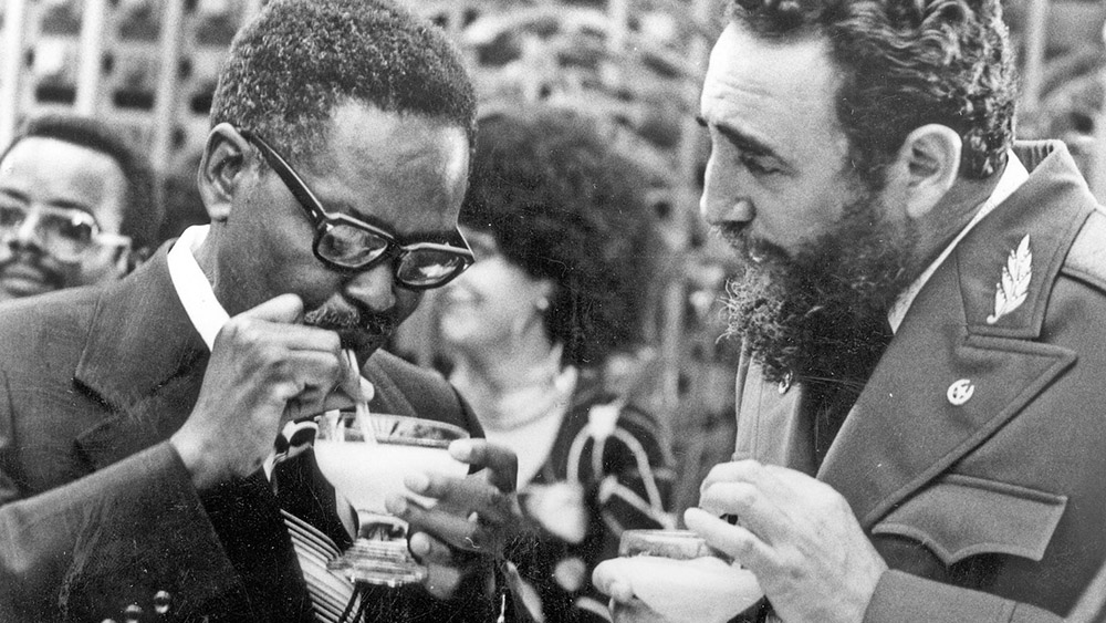 Fidel Castro sharing a daiquiri with Angola's then-president Antonio Agostinho Neto during the latter's 1976 visit to Havana